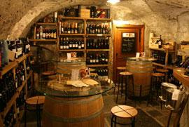 Cantina Follie, genieten van wijn met een hapje erbij