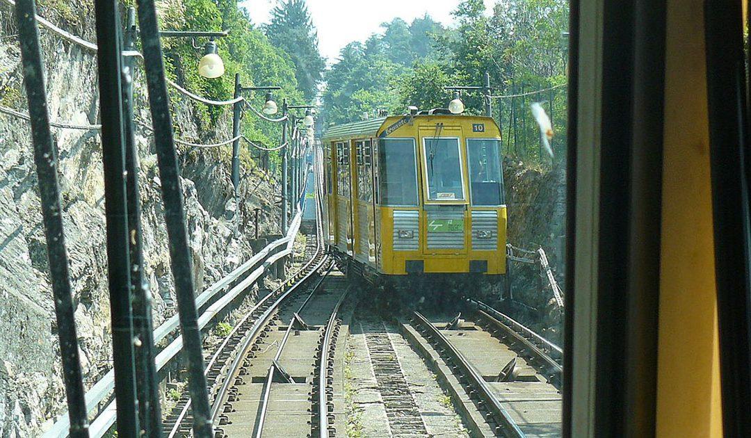 Met de kabelbaan naar Brunate